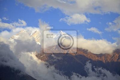 Himalajach w Nepalu.