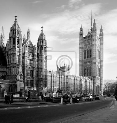 Houses of Parliament w Londynie w Wielkiej Brytanii widoku z Abingdon ulicy.