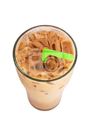 Ice mleka do kawy, znany napój w Tajlandii, samodzielnie na białym tle