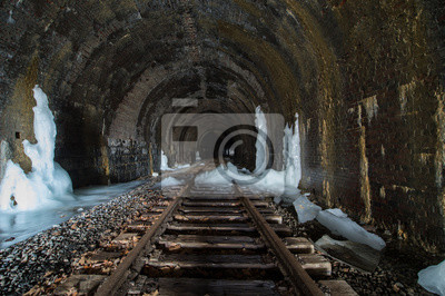 Icy Tunel
