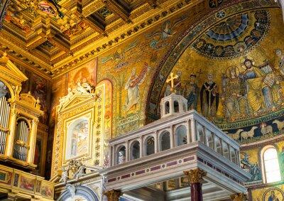 Obraz Inside the Basilica of Santa Maria in Trastevere in Rome