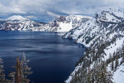 Jezioro Caldera w Crater Lake National Park, Oregon, USA