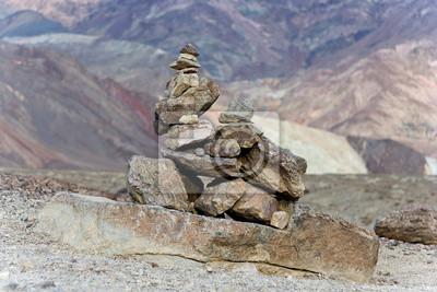 Kamienna piramida w Death Valley National Park