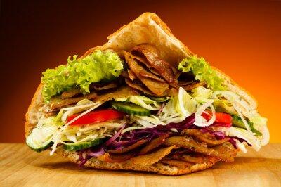 Obraz Kebab - grillowane mięso, chleb i warzywa