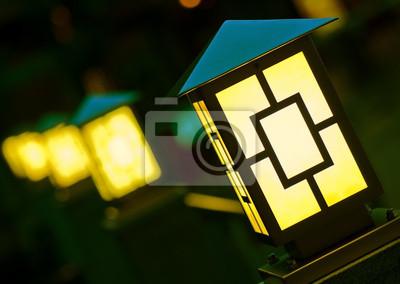 Obraz Kilka żółte latarnie w ciemno