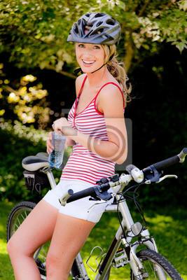 Kobieta z rower górski