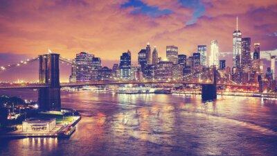 Kolor stonowanych obraz panoramiczny Nowego Jorku w nocy, USA ..