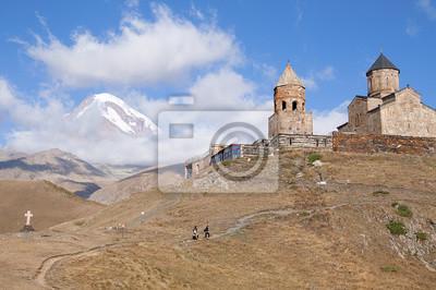 Kościół Cminda Sameba na TLE Kazbeku.