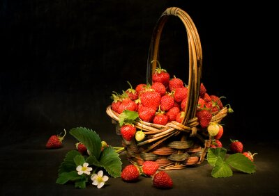 Obraz koszyk z truskawkami