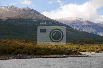 Krajobraz Parku Narodowego Ziemi Ognistej.