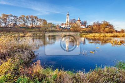 krajobraz z rzeki i kościoła