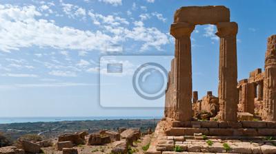 Krajobraz z zabytkowymi ruinami