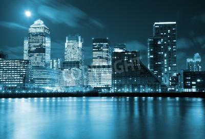Obraz Księżyc w pełni nad wieżowcami w Londynie