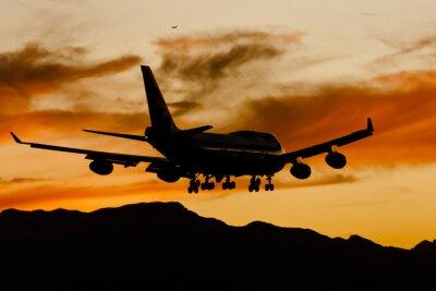 Obraz Lądowanie samolotu Na Zachód Słońca