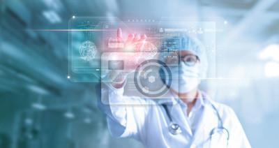 Obraz Lekarz, chirurg analizowania wyników badań mózgu pacjenta i anatomii człowieka na interfejs technologiczny cyfrowy futurystyczny wirtualny komputer, cyfrowy holograficzny, innowacyjny w koncepcji nauk