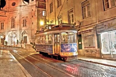 Obraz Lizbona tramwaj 28 malowanie w nocy, filtr impresjonistycznego malarstwa