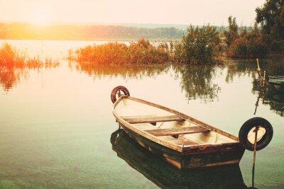 Obraz Łódź na jeziorze
