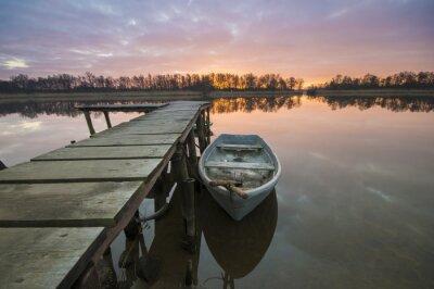 Obraz Łódź zacumowane Przy pomoście nad jeziorem