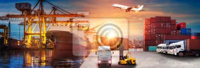 Obraz Logistyka i transport kontenerowego statku towarowego i samolotu cargo z roboczym mostem dźwigu w stoczni o wschodzie słońca, logistycznym imporcie eksportu i branży transportowej