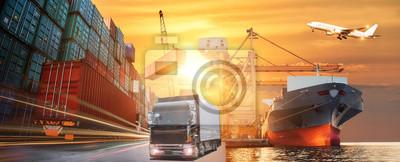 Obraz Logistyka i transport ładunków kontenerowych i samolotów towarowych z mostem roboczym w stoczni na wschodzie słońca, logistyka import eksportu i branży transportowej