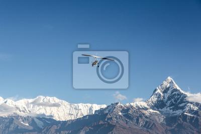 Lot ultralekki nad Annapurna w Nepalu