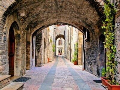 Obraz Łukowe średniowieczna ulica w mieście Asyż, Włochy