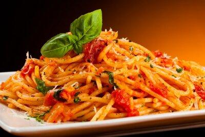 Obraz Makaron z sosem pomidorowym i parmezanem