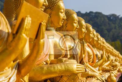 Makha Bucha, posąg Buddy z 1250 uczniów