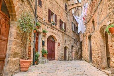 Obraz Malowniczy zakątek w Volterra, Toskania, Włochy