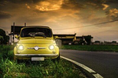 Obraz Mały rocznik samochodu Fiat Abarth włoski