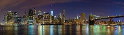 Manhattan skyline w nocy, New York obraz panoramiczny, USA.
