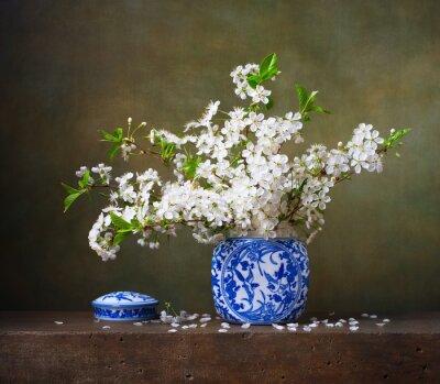 Obraz Martwa natura z bukietem kwiatów wiśni w chińskim wazonie