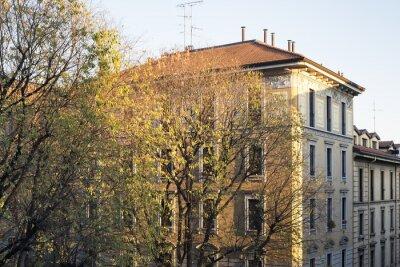 Obraz Mediolan (Włochy): Stary budynek mieszkalny
