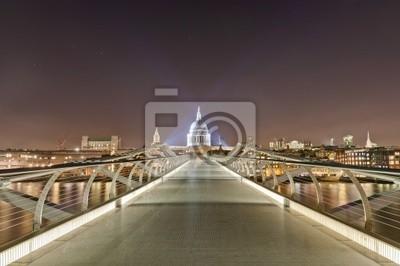 Millennium Bridge w Londynie