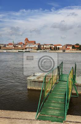 Molo na brzegu rzeki Wisły w Toruniu.