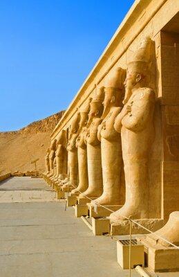Obraz Monumentalne rzeźby w świątyni Hatszepsut