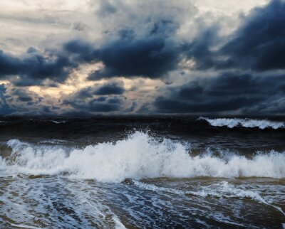 Obraz Morze i plaża z nieba chmury burzowej