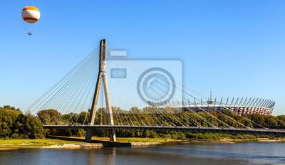Most, balonem i Wisła w Warszawie na stadionie