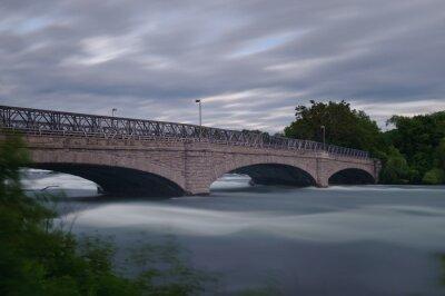 Most przy wodospadzie