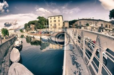 Most w Dock, Viareggio