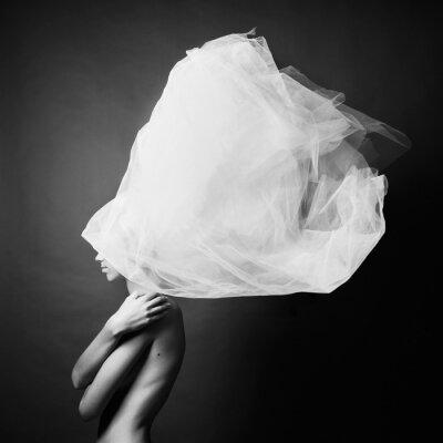 Obraz Naga kobieta w eleganckiej turban