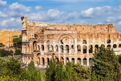 Najbardziej znanym w świecie-areną wielkiego starożytnego Koloseum w Rzymie