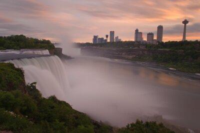 Niagara o zachodzie słońca