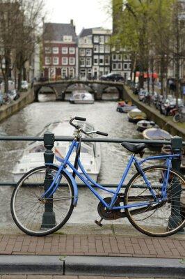 Obraz niebieski rower na kanał, Amsterdam