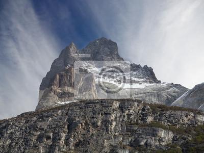 Obraz Niesamowita formacja skalna z Los Cuernos w Chile.