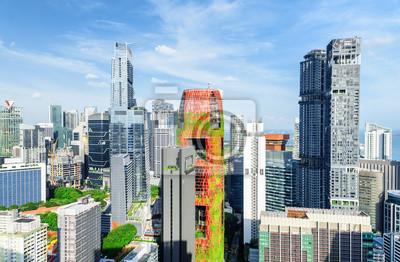 Niesamowity widok drapaczy chmur w centrum Singapuru