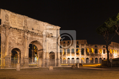 Night view of Arch of Constantine and colosseum