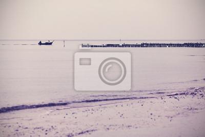 Nostalgiczny retro filtrowane morze tle krajobrazu.