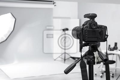 Obraz Nowoczesne studio fotograficzne z profesjonalnym wyposażeniem
