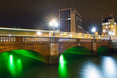 Obraz O'Connell Street Bridge w Dublinie, w Irlandii w nocy